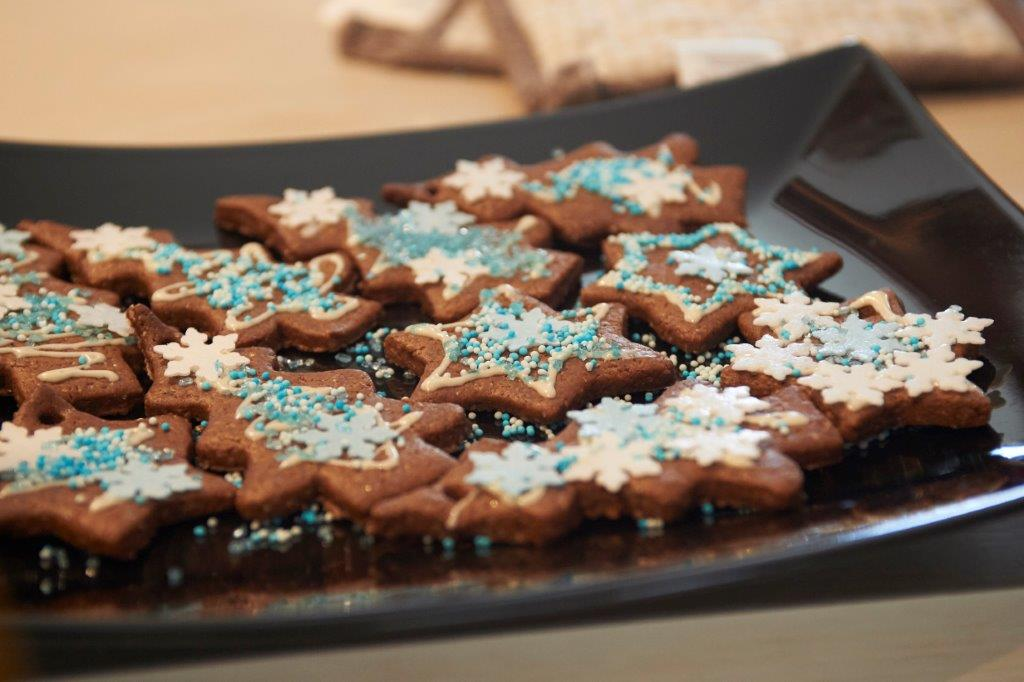 Χριστουγεννιάτικα στολίδια από μπισκότο