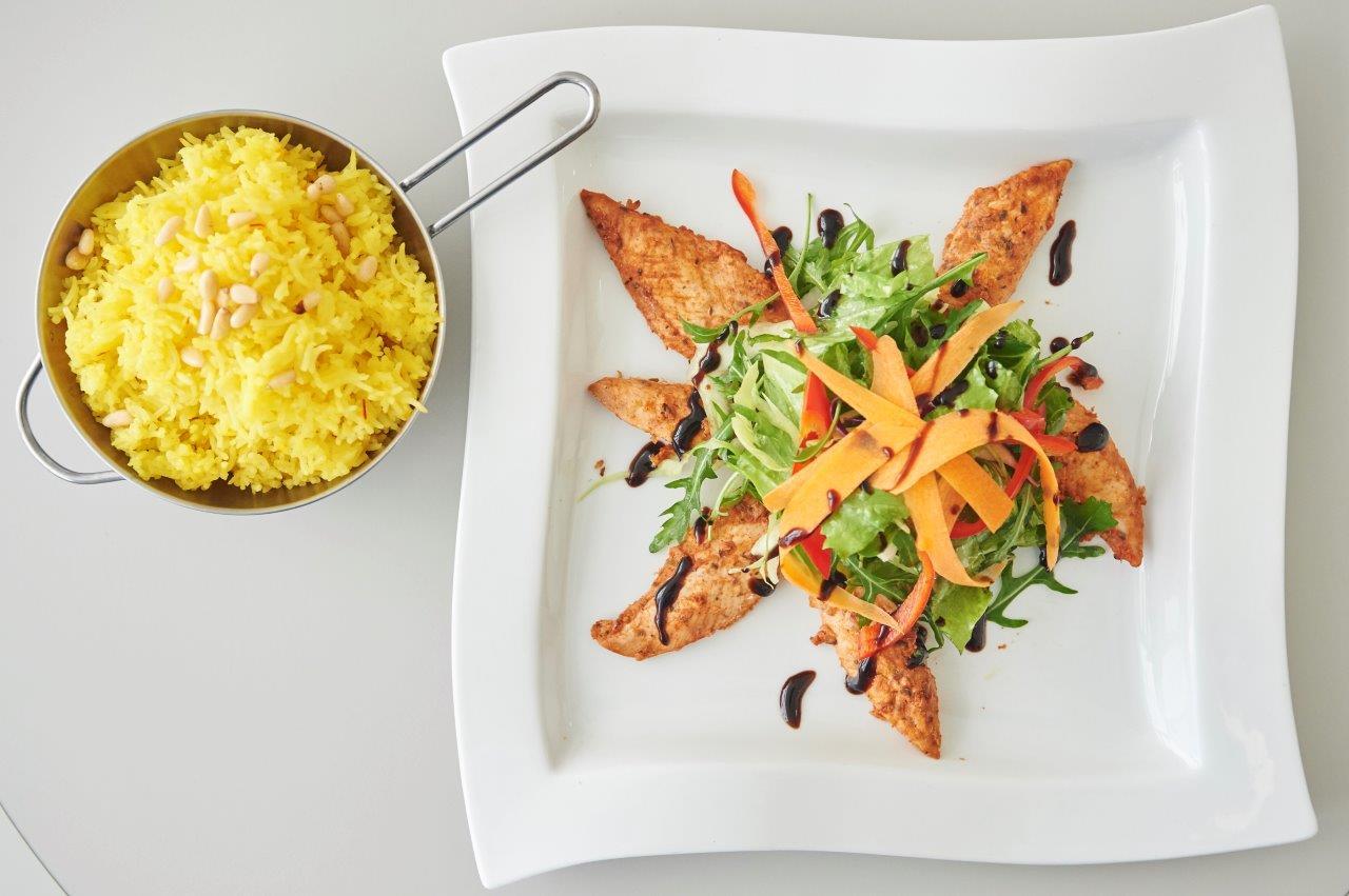 Λεμονάτα φιλετάκια κοτόπουλο στο φούρνο με σάλτσα πίρι-πίρι