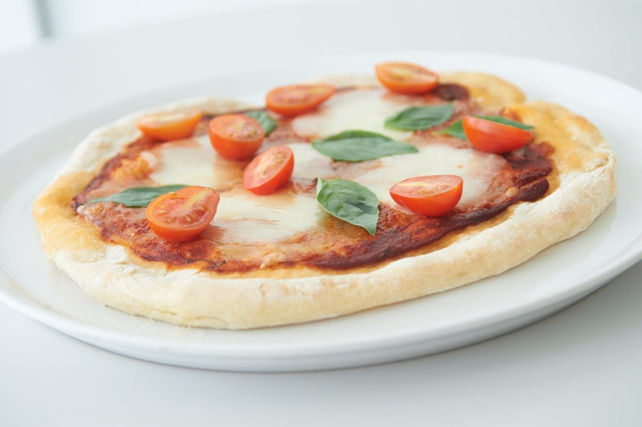 Κλασσική πίτσα Μαργαρίτα