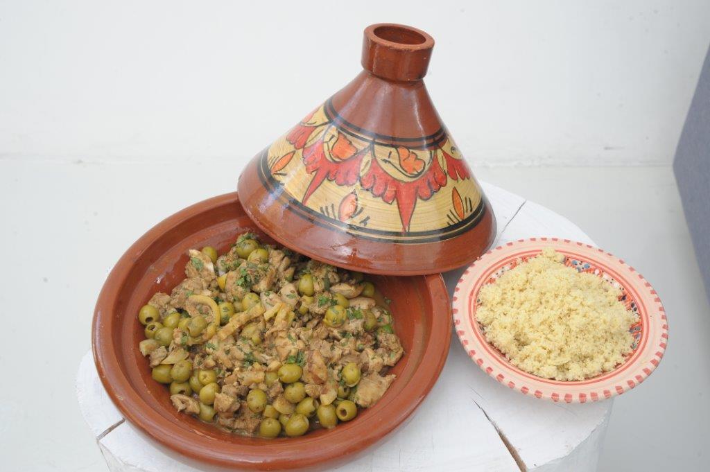 Μαροκινό κοτόπουλο Ταζίν με ελιές και μπαχαρικά Ras el Hanout