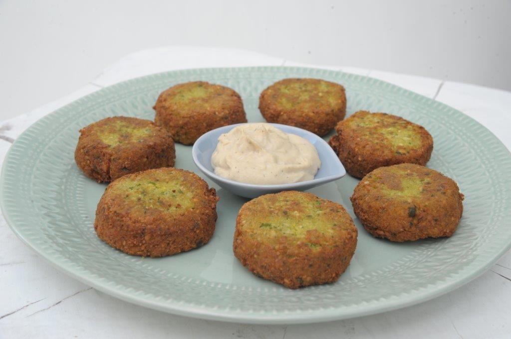 Φαλάφελ με σάλτσα ταχίνι