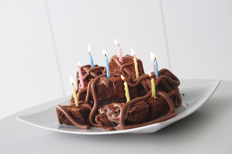 Brownies σοκολάτας γεμιστά με μπισκότο