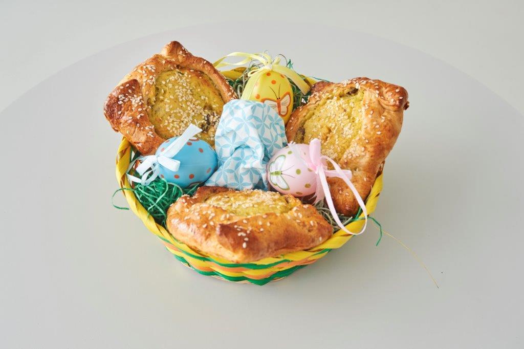Γρήγορες και εύκολες κυπριακές φλαούνες με βουβαλίσιο γιαούρτι και σαφράν Deluxe