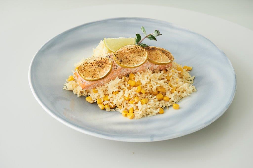 Σολομός φούρνου με λάιμ και κύμινο