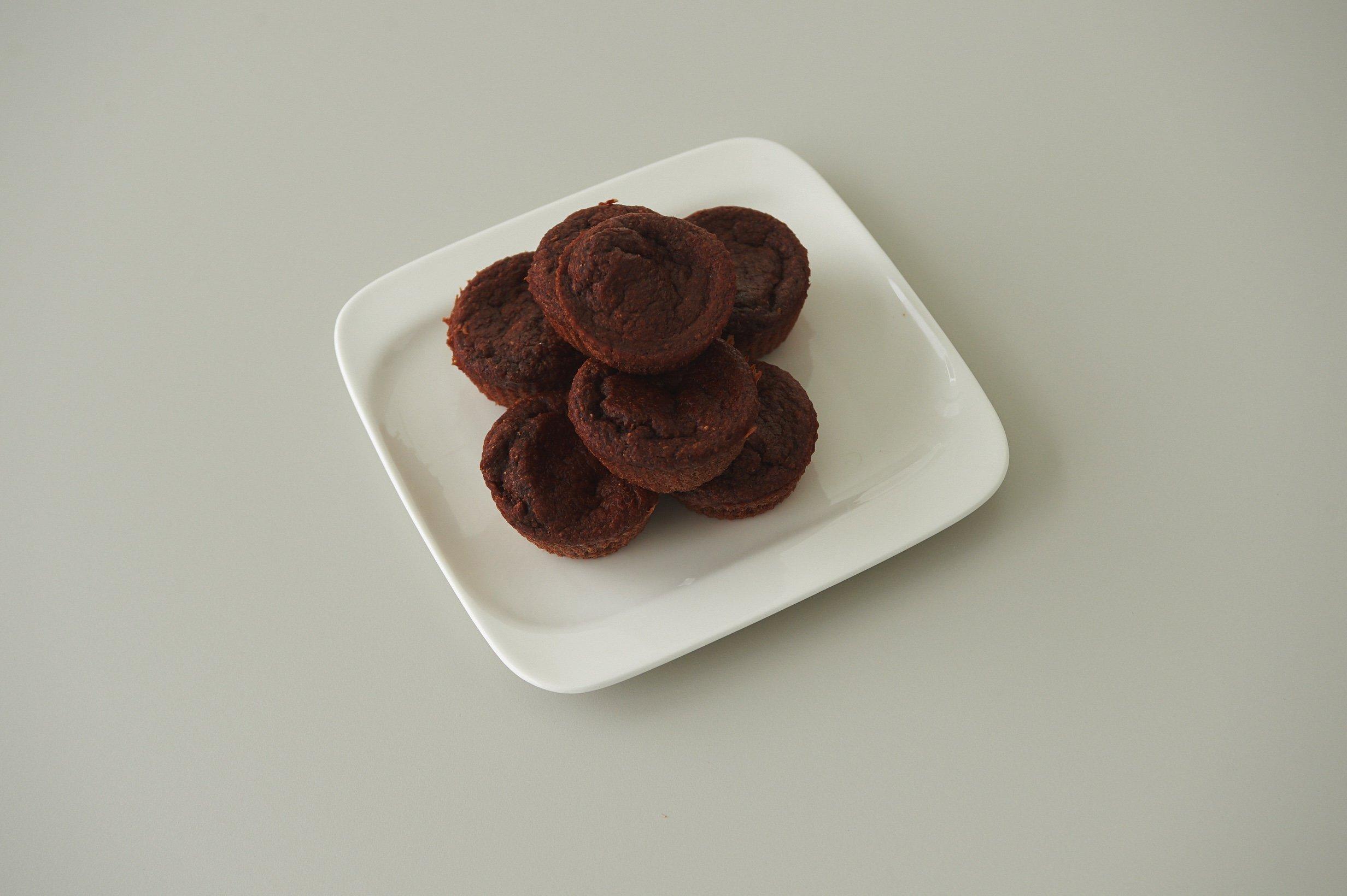 Μάφινς σοκολάτας από αλεύρι ολικής αλέσεως και βούτυρο καρύδας